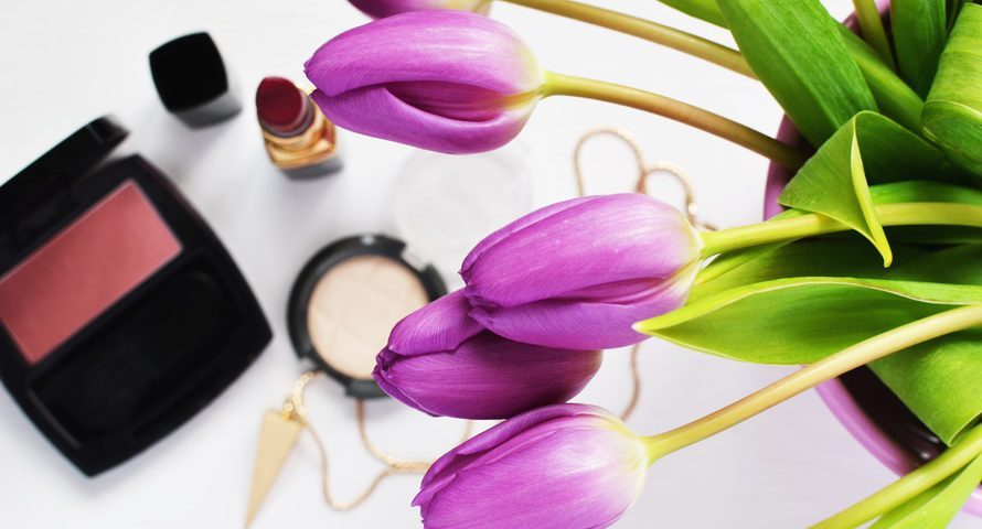 covering-makeup-with-sunscreen